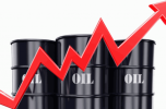 النفط يوسع مكاسبه والخام الأمريكي يتجاوز 81 دولاراً للبرميل
